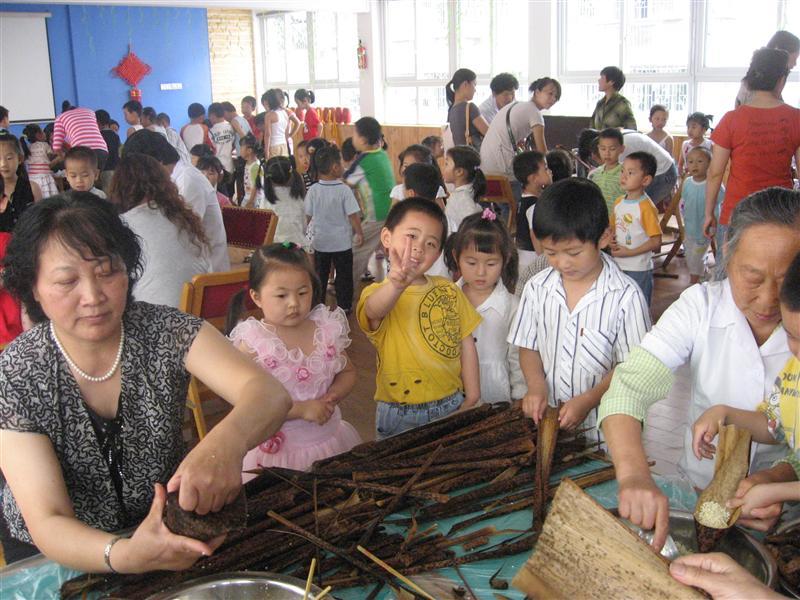 翠柏幼儿园有趣的端午节活动-湖北省麻城市幼儿园